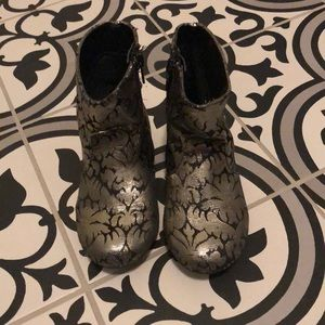Black and Gold Fabulous Girls boots